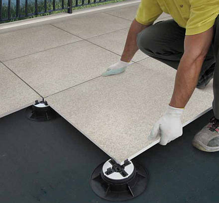 Nouveaut 2011 novoceram outdoor plus for Pose carrelage exterieur sans colle