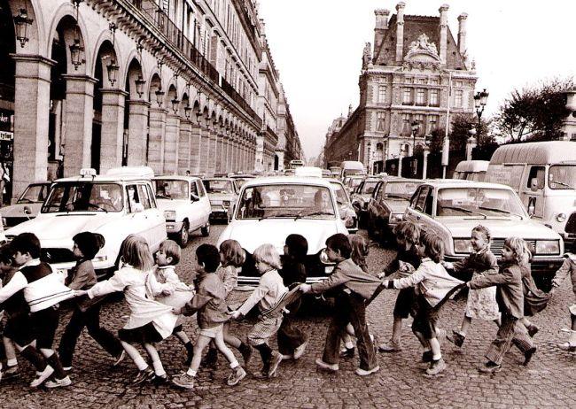 Doisneau et Les Tabliers de la rue de Rivoli