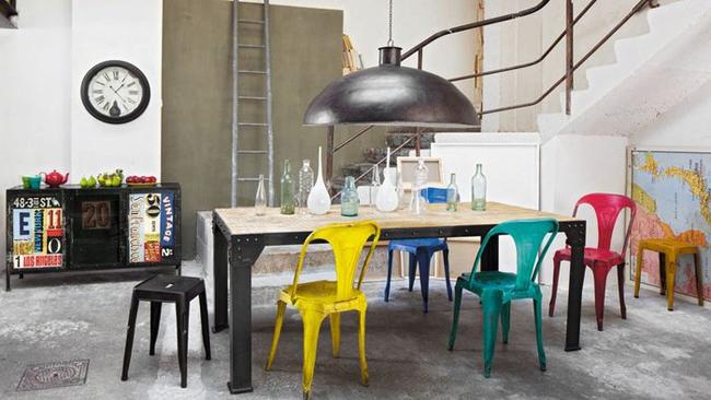 chaise et tabouret mobilier au style industriel. Black Bedroom Furniture Sets. Home Design Ideas