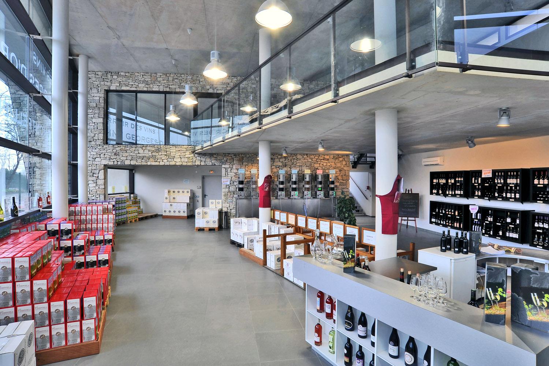 Carrelage pour boutique cave cooperative celle for Garage louis vincennes