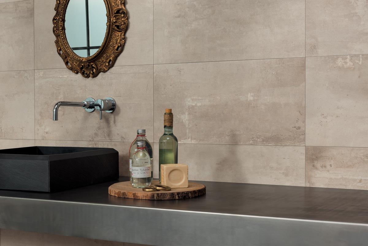 idées deco pour la salle de bains - de beaux flacons