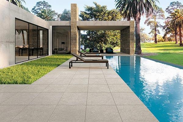 carrelage piscine exterieur