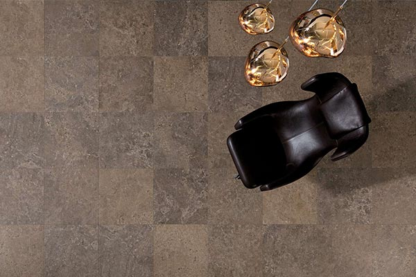 pierre céramique salon